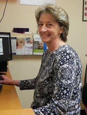 Dr.-Susan-Hendrix
