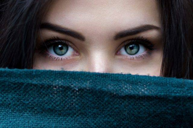 Woman Eyes Scarf Over Face 1280x853 640x427