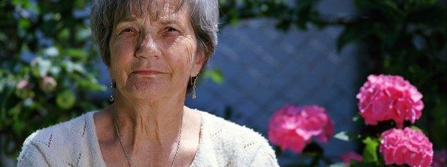 Eye doctor, senior woman suffering from macular degeneration in Redwood City, CA