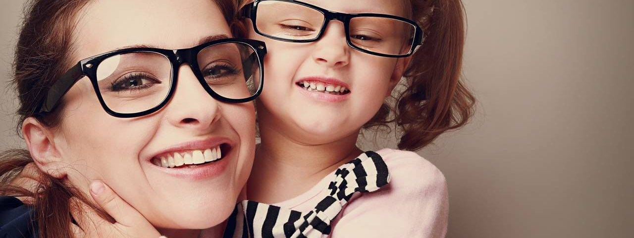 happy_mother_daughter 1280x480