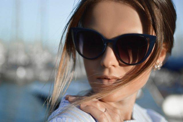 Woman Blue Sunglasses 1280x853 640x427 640x427