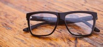 black-glasses-on-wood-table-1280x480-330x150