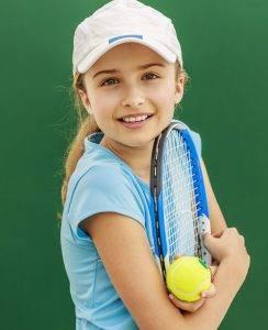 kid_playing_tennis